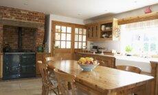 Praktiski un ar glanci – idejas virtuves interjeram lauku mājā