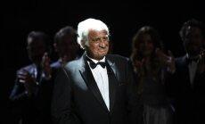 Franču kino leģenda Žans Pols Belmondo saņēmis balvu par mūža ieguldījumu