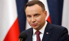 Polijas prezidents paraksta tiesu neatkarību apdraudošos likumus
