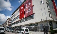 Turcijā nav atgriezušies 32 diplomāti, kuri tika atsaukti pēc neveiksmīgā puča