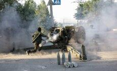 Ukrainā ieradušies 10 vagoni ar tehniku un kaujiniekiem; Krievija pierobežā gatavo pontonu tiltus