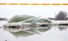 Sēkļa spridzināšana, pamestas mājas, apdraudēti zirgi: ikgadējās plūdu briesmas Latvijā