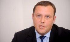 Patvēruma meklētāju izmitināšanai jābūvē jauns centrs, min Kozlovskis