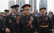 Pēc nepilngadīgās kāzām Kadirovs aicina vīrus aizliegt sievietēm lietot 'WhatsApp'