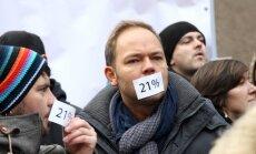 Foto: Pie Saeimas protestē pret plānoto 21% PVN kultūras un izklaides pasākumiem
