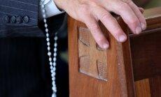 Latvijas bīskapi apstiprina oficiālu lūgšanas 'Dieva žēlsirdības kronītis' tulkojumu