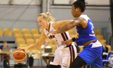 Foto: Latvijas basketbolistes pārbaudes mačā sagrauj Ukrainu