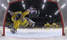 William Nylander and Henrik Lundqvist Sweden celebrate the victory