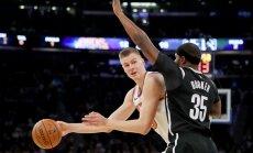 Porziņģa augstā rezultativitāte sekmē 'Knicks' pirmo uzvaru sezonā