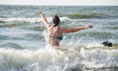 Ūdens temperatūra Jūrmalā sasniedz +20 grādu