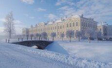 ФОТО: Рундальский дворец оделся в зимнее убранство, а в его оранжерее цветут бананы