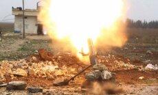 Turcijas bruņotie spēki otro dienu apšauda kurdu kaujinieku pozīcijas Sīrijā