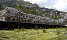 Plāno atjaunot vienu no iespaidīgākajām spoku ēkām Eiropā – Kanfrankas staciju Pirenejos