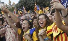 Katalonijas parlaments apstiprina Neatkarības referenduma rīkošanu