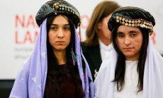 Foto: No 'Daesh' gūsta izbēgušas jezīdu aktīvistes saņem EP Saharova balvu