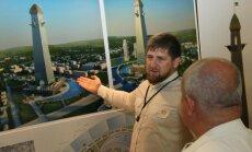 Kadirovs Groznijā cels iespaidīgu debesskrāpi un peldbaseinu