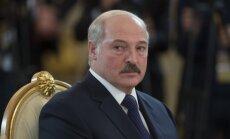 Lukašenko ieceļ jaunu premjerministru; atlaiž centrālās bankas vadītāju un ministrus