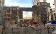Sirreāla postaža Jeruzalemes ielā — sāk jaukt nost pusgruvušo ēku