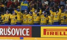 Video: Zviedru hokejistu vēsturiskā uzvara 'bullīšos' pār Kanādu