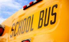 ASV pēc apšaudes skolas autobusā par ķīlnieku sagrābts piecgadīgs zēns