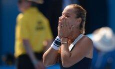 Cibuļkova sagrauj Radvansku un 'Australian Open' finālā spēkosies ar Li