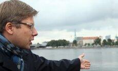 Ušakovs pērn saņēmis vidēji 6859 eiro mēnesī