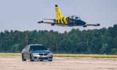Tukuma lidlaukā 'BMW M5' sacentīsies ar reaktīvo lidmašīnu