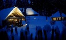 Ziemassvētku laikā vakaros izgaismos Brīvdabas muzeja sētas un celiņus