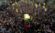 Foto: Tūkstošiem cilvēku pēdējā gaitā pavada 'Hezbollah' Sīrijas augstāko komandieri