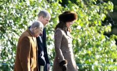Kembridžas hercogiene eleganti atrāda grūtnieces vēderiņu