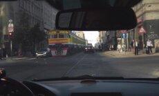 ЗАБАВНОЕ ВИДЕО: Водители в шоке! По улице Барона едет электричка