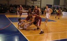 Fotoreportāža: 'Jēkabpils' basketbolisti izbraukumā uzvar LU vienību