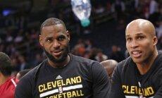 Cleveland Cavaliers forward LeBron James and Richard Jefferson