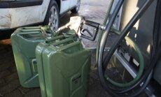 Degvielas tirgotāji atkal samazina cenas; kopš vasaras litrs benzīna jau par 20 centiem lētāks