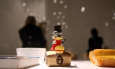 Foto: Ieskats Somijas simtgadei veltītajā izstādē '100 priekšmeti no Somijas'