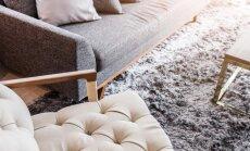Kā izlīdzināt iespiedumus paklājā no smagām mēbelēm