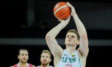 Lietuvas basketbola izlase pirms mača ar Latviju sagrauj Rumāniju