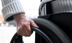 TV3: narkodīleris ratiņkrēslā iežēlina tiesnesi; viņu no cietuma izlaiž