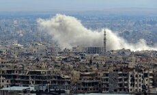 Krievija lauzusi solījumu pārtraukt bombardēšanu Austrumgutā, paziņo ANO