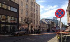 Foto: Tērbatas ielā noplūdusi gāze; satiksme atjaunota