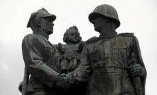 Польша решила перенести советские памятники в музей