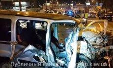Video: Smagā autoavārijā Kijevā divi bojāgājušie