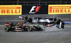 'Lotus' F-1 komandas piloti ir pusceļā uz aizliegumu startēt sacīkstēs