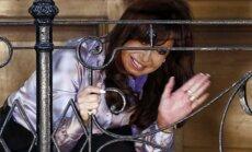 Argentīnas prezidente pauž bažas, ka ASV vēlas viņu nogalināt