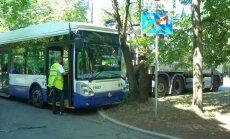 Foto: Trolejbusa avārija Āgenskalnā