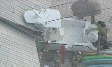 Video: Floridā motorlaiva ietriecas pludmales restorānā