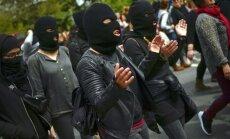 Foto: 35 tūkstoši Pamplonā protestē pret maigu spriedumu izvarošanas lietā