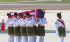 Video: Kualalumpurā sagaida 'Malaysia Airlines' traģēdijas upurus