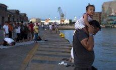 Vairums eiropiešu baidās, ka bēgļu pieplūdums palielina teroraktu risku
