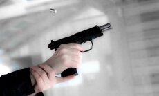 ASV asu kritiku izraisa iecere bez maksas izsniegt ieročus